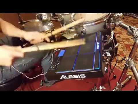Percusion alesis sample pad pro checando congas lp,guiro y sincerros.