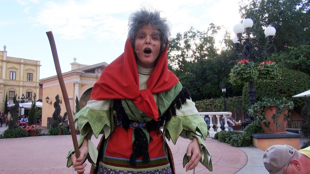 epcot italys christmas witch la befana holidays around the world youtube - Italian Christmas Witch