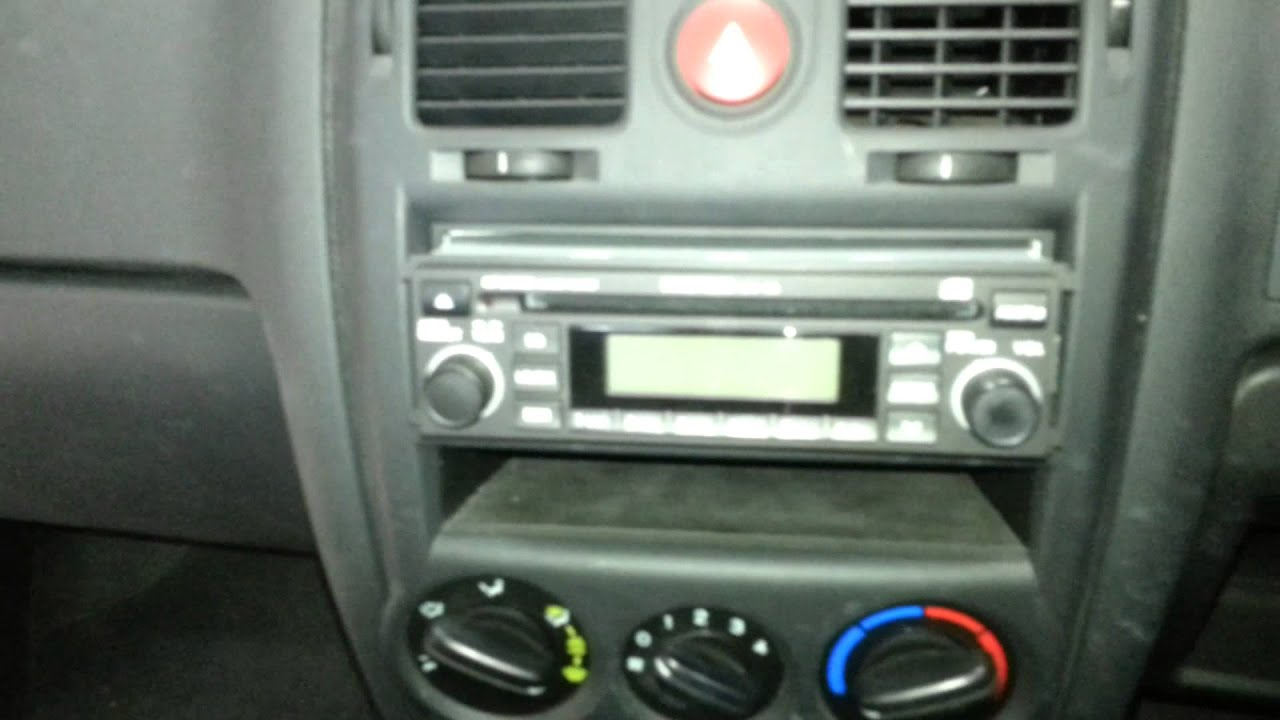 How To Remove The Radio From A Hyundai Getz Youtube