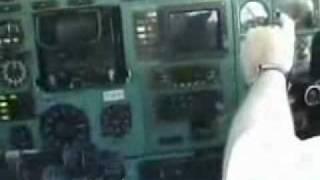 Посадка Ту 154 вид из кабины пилотов   Любительское видео   Avsim su(, 2010-05-12T20:04:12.000Z)