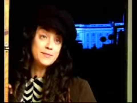 Carmen París presenta