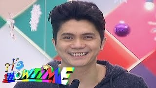 It's Showtime: Vhong enters the PBB house