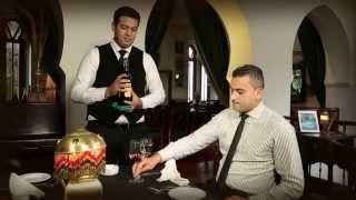 Rick's Café Casablanca - Table service 1