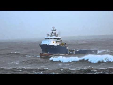 Global Offshore Olympus entering Aberdeen Harbour in heavy s