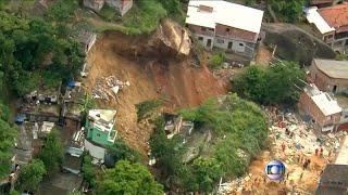 شاهد: مقتل عشرة أشخاص على الأقل في انهيار أرضي بالبرازيل…