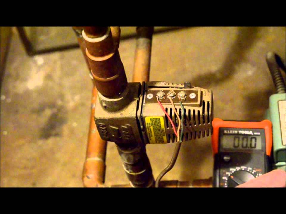 Troubleshooting a Taco Zone Valve: Checking the Voltages - YouTube