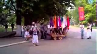 Праздник харинама в Харцызске 18 мая 2013. Эпизод.
