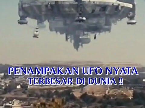 """VIDEO PENAMPAKAN """"UFO NYATA TERBESAR DI DUNIA"""" PENAMPAKAN ..."""