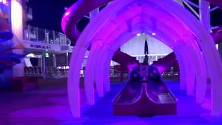 "Walk around by Night on the ""Symphony of the Seas"" Cruiseship"