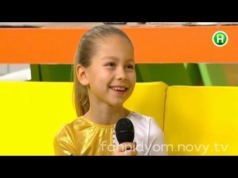 Маленькая гимнастка Настя Семеняк показала номер в прямом эфире