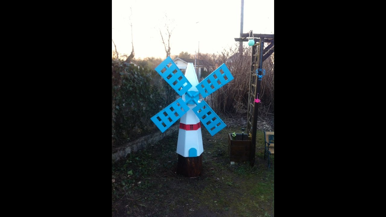 Moulin A Vent Decoration Jardin #11: Fabrication Du0027un Moulin à Vent En Bois, Décoration Jardin: DIY : Windmill -  YouTube
