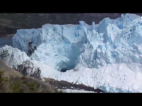 Asuchii Vlog : Perito Moreno Glacier + Tiny Fluffy Birds + Argentina Travel Vlog