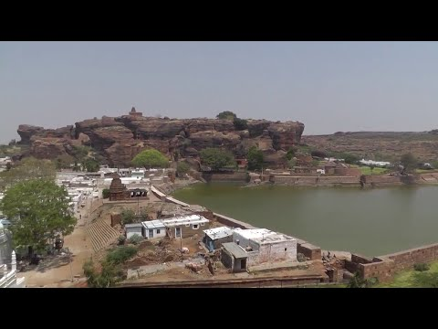 THE FASCINATING HISTORICAL FORT OF BADAMI