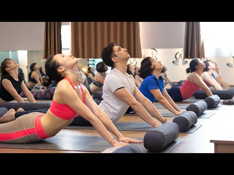 1 Hour Indian Yoga practice with Master Ajay Verma