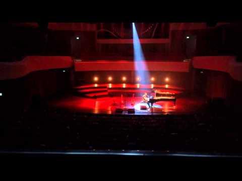 Mads Langer - Helpless (live)