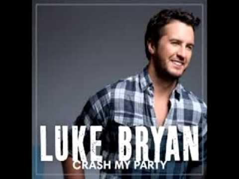 We Run This Town- Luke Bryan (lyrics) HD