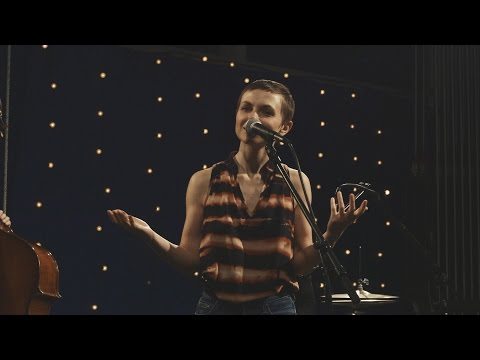 909 in Studio : Kat Edmonson - 'The Full Session' | The Bridge