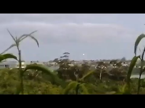 UFO blinks out whilst being filmed in Auckland, NZ. ( November 18, 2020 )