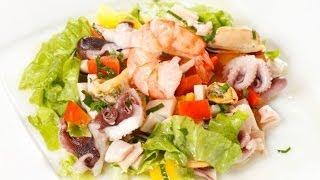 Овощной салат с морепродуктами