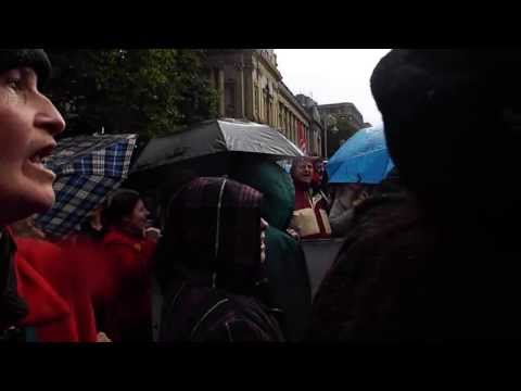 Irish pensioners singing molly malone at Dail protest