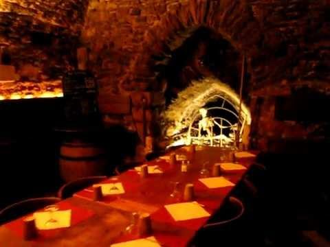 Diner sous des voutes romaines au coeur du Vieux Lyon à l\'Auberge le ...