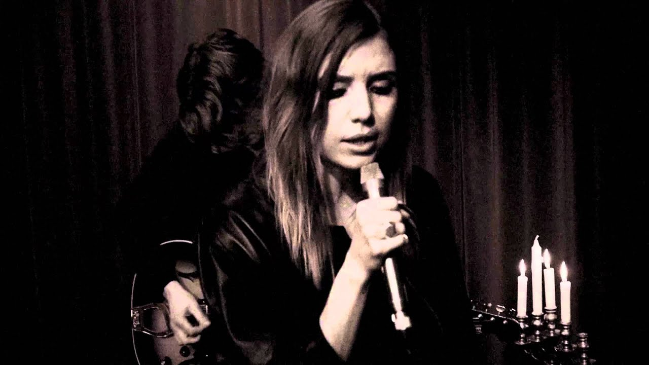 lykke-li-youth-knows-no-pain-acoustic-lykkelivideos