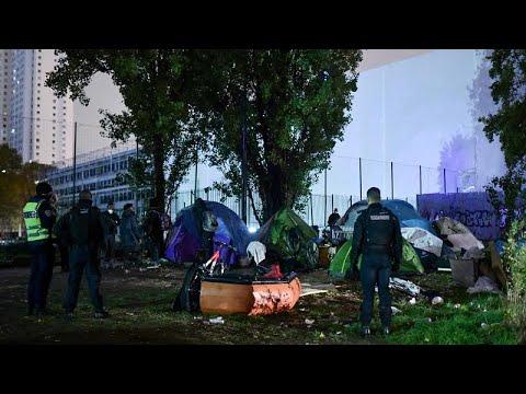 فرنسا تخلي مخيمين للمهاجرين شمال شرق باريس  - 11:54-2019 / 11 / 7