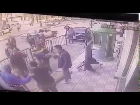 BBC عربية:بي_بي_سي_ترندينغ |  أمين شرطة ينقذ حياة طفل سقط من شرفة في أسيوط في #مصر