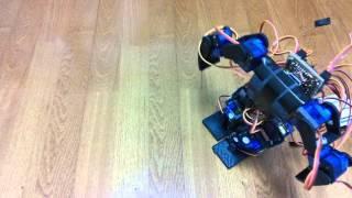 BS01とsg90で作った二足歩行ロボット