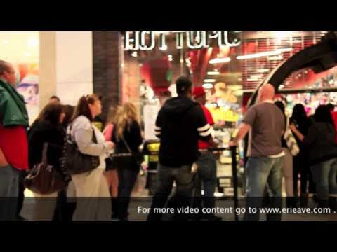 Wiz Khalifa, Hot Topic!!! Thousands Of Fans Rush To Mall!!!