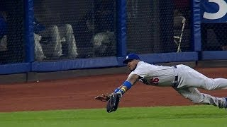 Puig makes an amazing diving catch