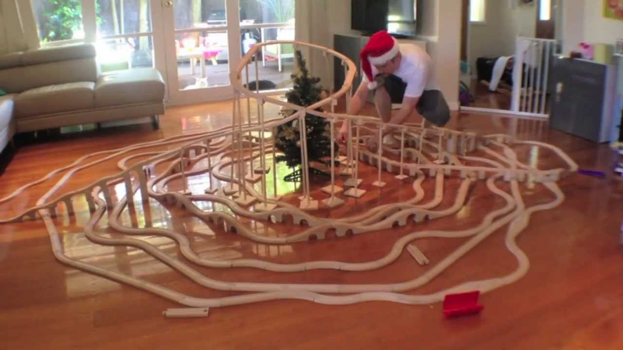 Merry Christmas Train Set Fun - Toy Train Track 16 - YouTube