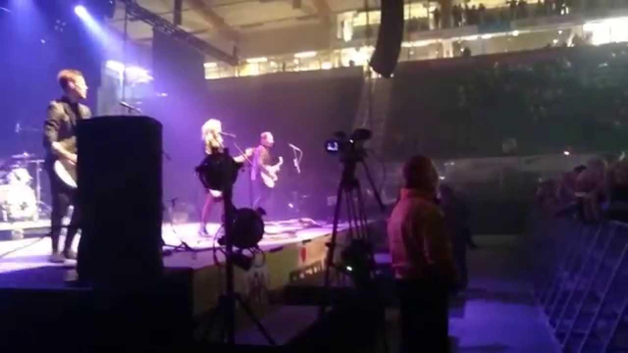 Haloo Helsinki - Beibi - YouTube