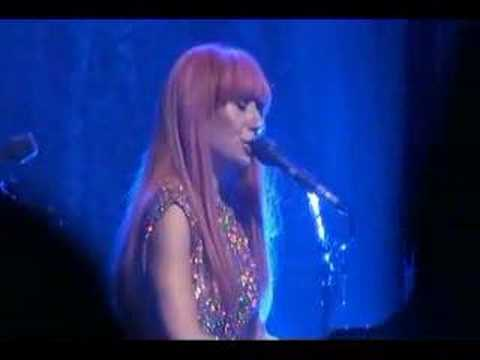 Tori Amos - Albany 10-09-07 = 18-Code Red