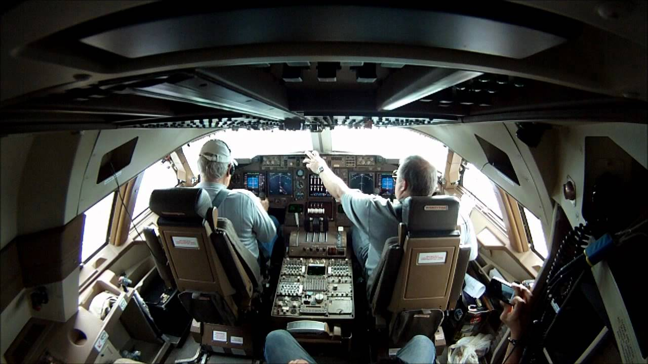 747 400 Takeoff From Inside Cockpit Youtube