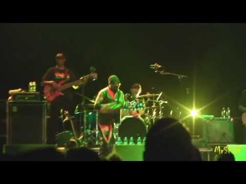 [2/*] Toots & The Maytals - Pressure Drop - Live @ Festareggio Campovolo 24-8-2011