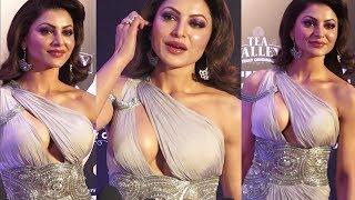 Urvashi Rautela SH0CKING Dress Styel At Filmfare Awards 2019
