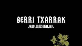 Berri Txarrak - Bueltatzen (subtitulos español)