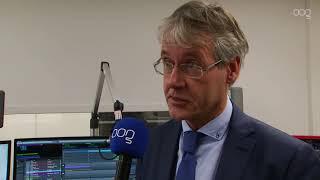 Minister Arie Slob op bezoek bij Omroep OOG