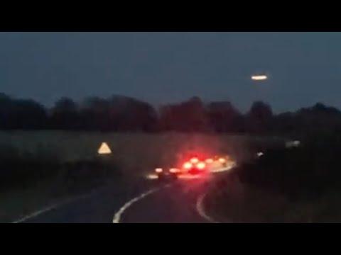 Large Illuminated Glowing UFO with Orange Lights Seen Over Wiltshire, Stonehenge (UK)