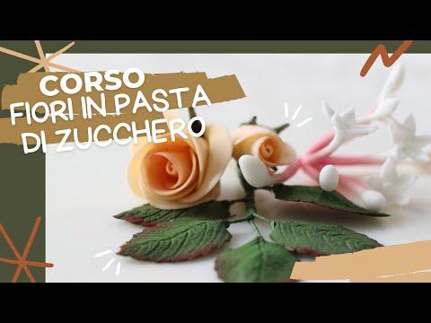 sugar-paste-flowers-[fondant-flowers]-by-italiancakes