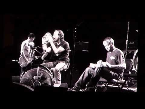 Pearl Jam - Red Mosquito w/Ben Harper - 10.04.09 Austin, Texas
