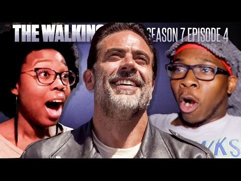 "The Walking Dead: Season 7 Episode 4 ""Service"" Fan Reaction Compilation"