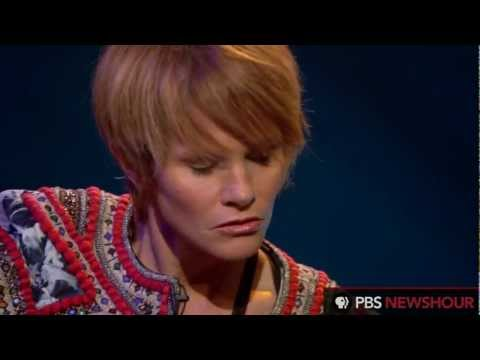 Shawn Colvin Sings 'All Fall Down'