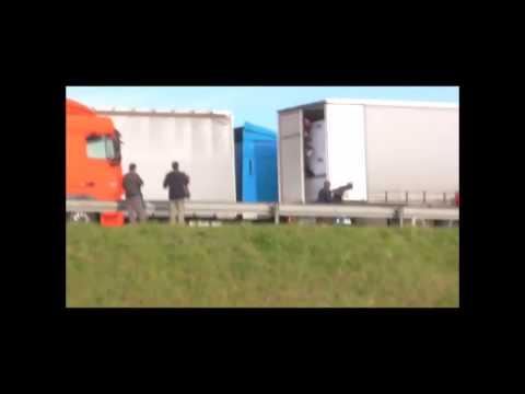 Calais Violences Policieres vs Cazeneuve mai 2015 HD