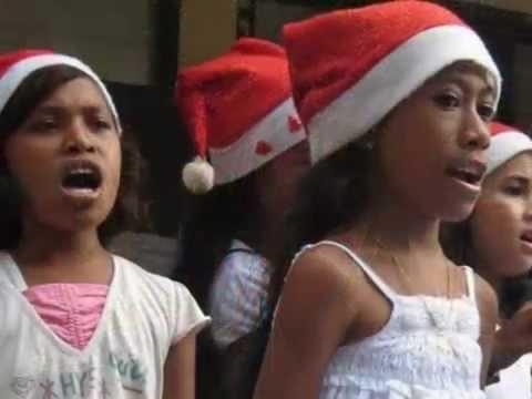 Lagu Natal versi bahasa tetun