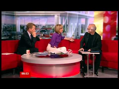 Ludovico Einaudi - I Giorni Ipad Performance. BBC Breakfast June 2011