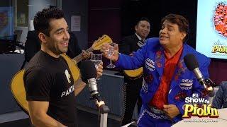 Omar Chaparro canta con Juan Gabriel en inglés en El Show de Piolín