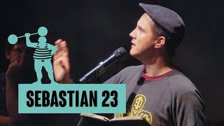Sebastian 23 – Dünendösedänen und Prag Pragmatisch