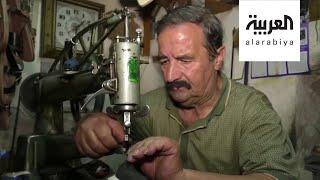 فيديو.. صاحب محل أصم في دمشق القديمة يتقن 3 لغات